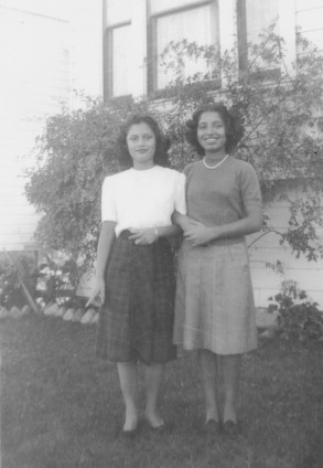 32. 1940s - mary & nellie (from the matt bustillos collection).