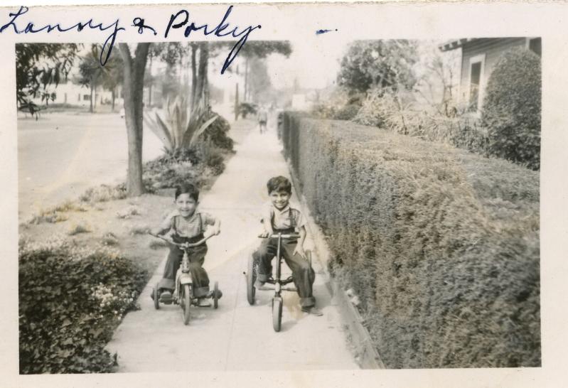 32. 1940s - reyes grandkids lenny and porky