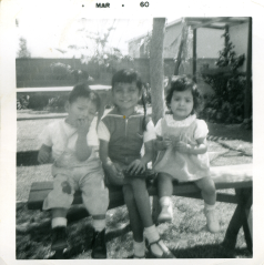 21. 1960-03 unhappy joe, michaela & unidentified girl.