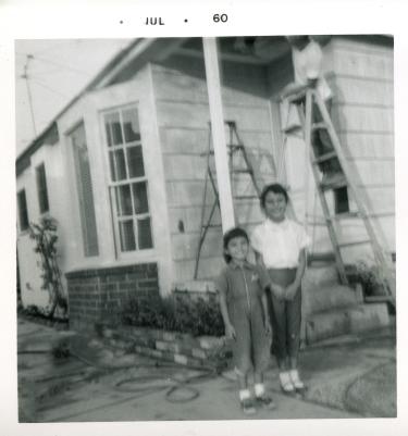 22. 1960-07 michaela & kathie (dad on ladder)