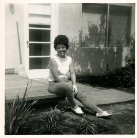 24. 1960s - mom solo
