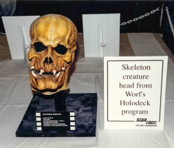 Star Trek: TNG props - Skeleton creature head