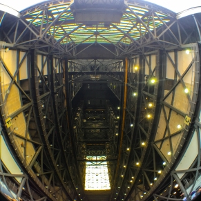 3:10PM - Looking straight up just inside the VAB