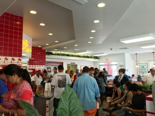 2015-05-01 Near LAX - In-n-Out Burger - crowded well before noon.