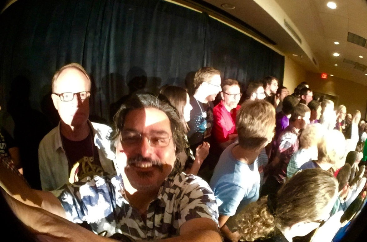 2015-11-08_FreeFlo2015-061_My Selfie from the Stage