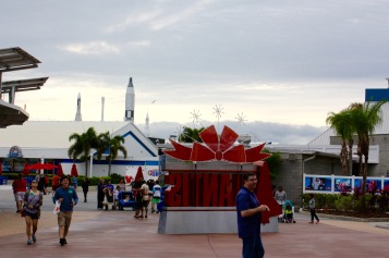 2015-12-18_Spirit-of-Exploration-KSC_17_Looking-toward-rocket-garden