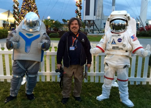 2015-12-18_Spirit-of-Exploration-KSC_49_selfie-space-person-photo-op