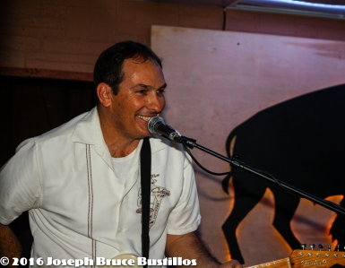 2016-01-08 Oak Hill Drifters at Smiling Bison: smiling Tom Cooper
