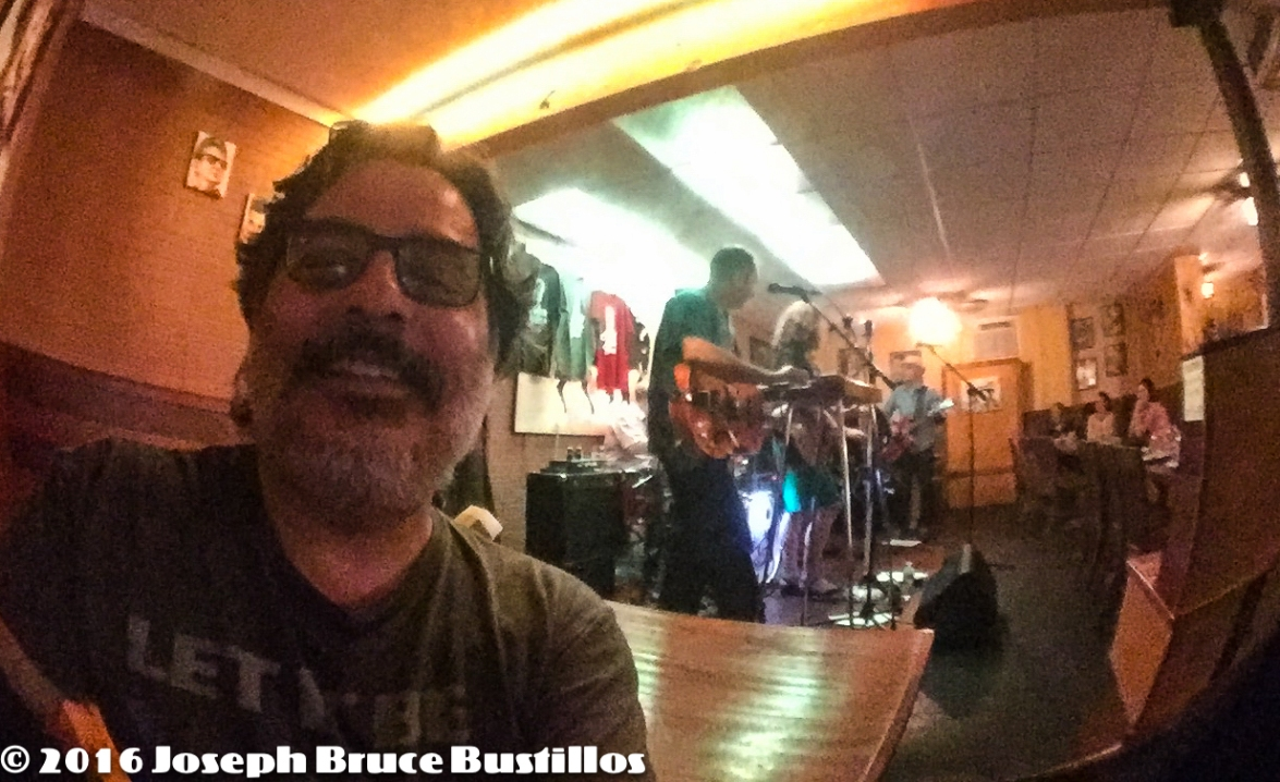 2016-06-03 OHD at Smiling Bison: Selfie with OHD in the background.