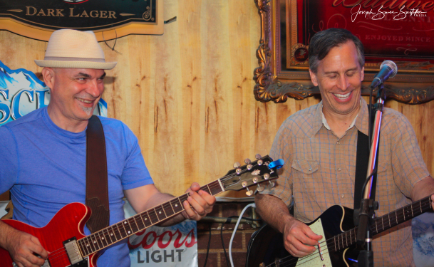 2016-07-23 Oak Hill Drifters at Foxhead Lounge: George Dimitrov and Craig Roy